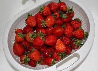 How To Dehydrate Strawberries recipe by Barefeet In The Kitchen