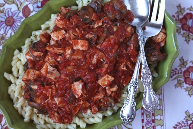 Mushroom Chicken Marinara Sauce with Gemelli Pasta recipe by Barefeet In The Kitchen