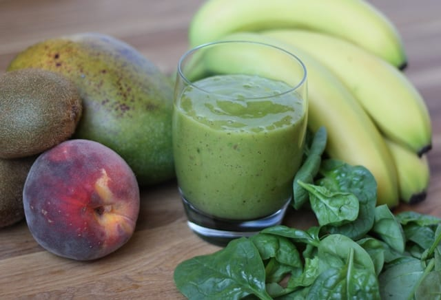 Mango, Kiwi, Peach and Spinach Smoothie recipe by Barefeet In The Kitchen