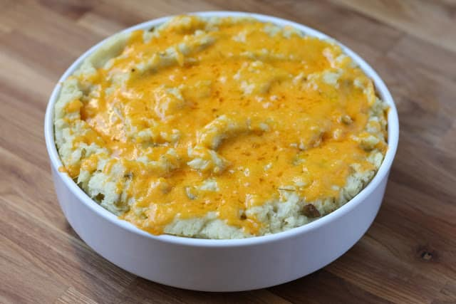 Cheesy Mashed Potatoes with Green Chile recipe by Barefeet In The Kitchen