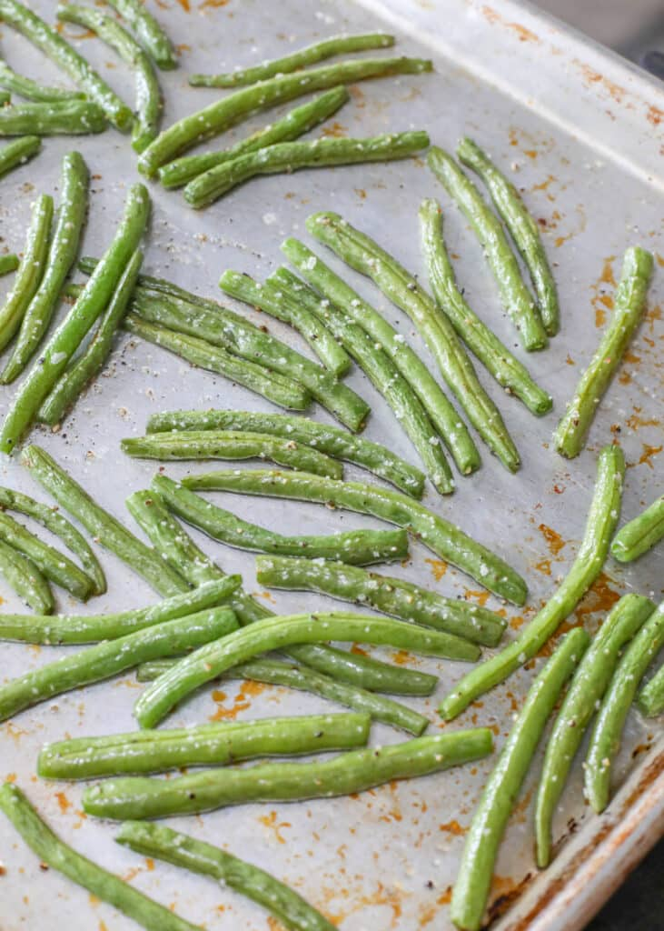 Oven Roasted Green Beans are crispy awesomeness!