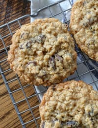 Crispy, chewy Oatmeal Raisin Cookies