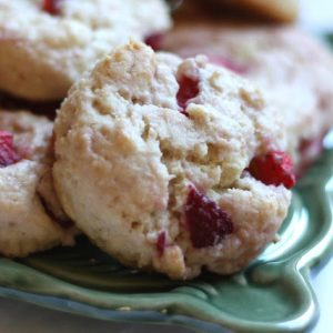 Strawberries and Cream Biscuits {traditional and gluten free recipes}