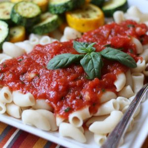 5 Minute Basil Marinara Sauce