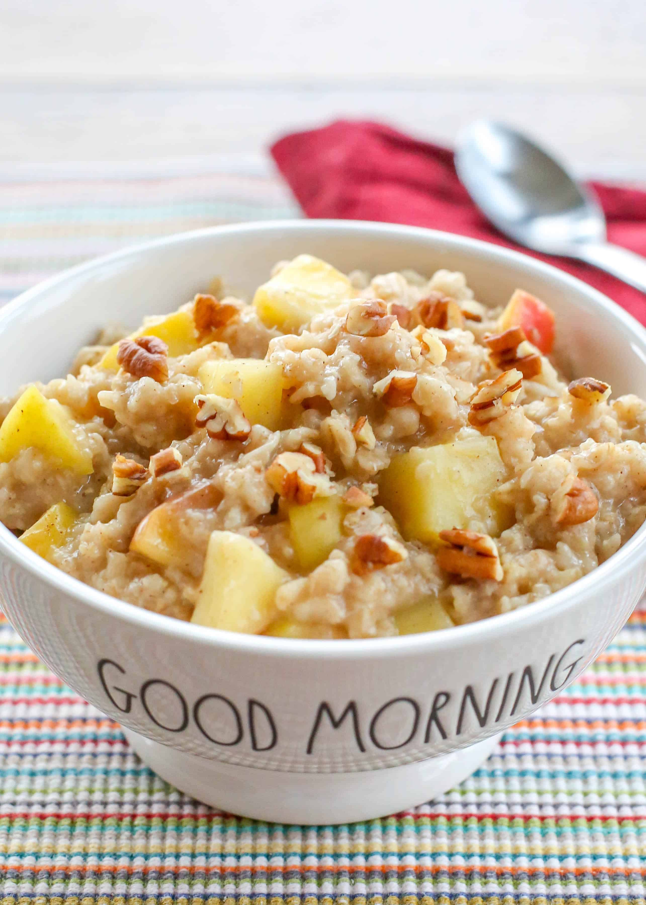 Apple Cinnamon Oatmeal | barefeetinthekitchen.com