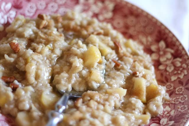 Apple Cinnamon Oatmeal recipe by Barefeet In The Kitchen