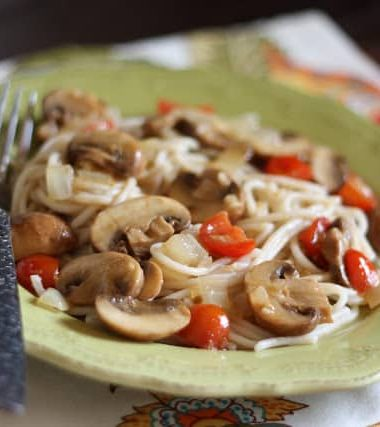 Lemon Butter Pasta with Mushrooms and Tomatoes