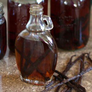 Kitchen Tip: How To Make Homemade Vanilla Extract and Vanilla Sugar