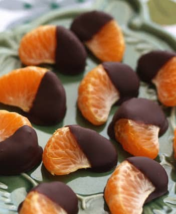 Chocolate Dipped Clementines are an irresistible treat!