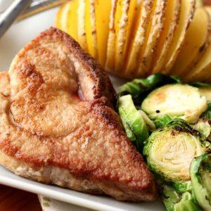 Simple Skillet Pork Chops