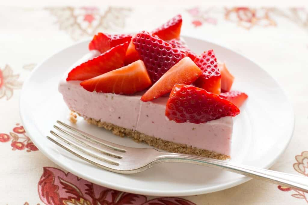 strawberry ice cream cone pie recipe