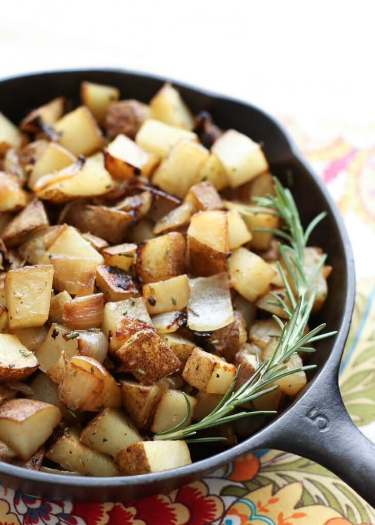 2015 osmosislabs onions potatoes 4 when potatoes are fork tender, carefully remove from the foil and place each one on a plate split the potato in half and then add a few heaping spoons of the sausage mixture on top, then spread a layer of caramelized onions and serve.