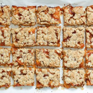 Apricot Crisp Bars {traditional and gluten free recipes}