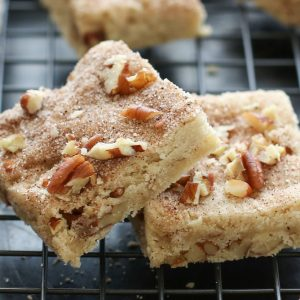 Cinnamon Pecan Shortbread Bars {traditional and gluten free recipes}