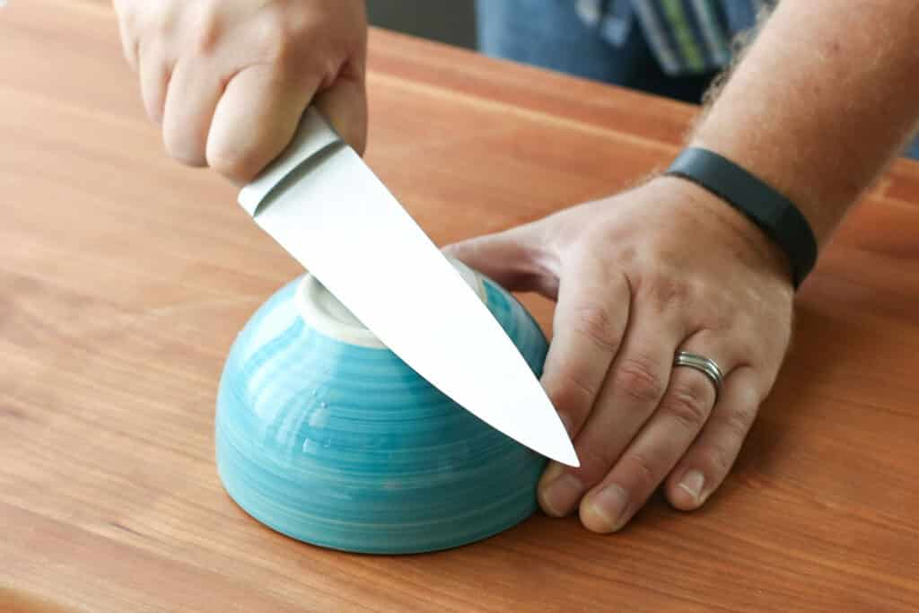 How To Sharpen Kitchen Knives In 15 Seconds Using Only A Cereal Bowl!