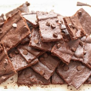 Crunchy Brownie Crisps {traditional and gluten free recipes}