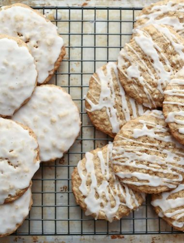 Old Fashioned Iced Oatmeal Cookies {traditional and gluten free recipes}