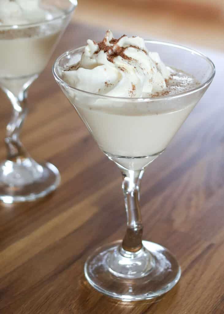 White Christmas} Chocolate Martini | barefeetinthekitchen.com