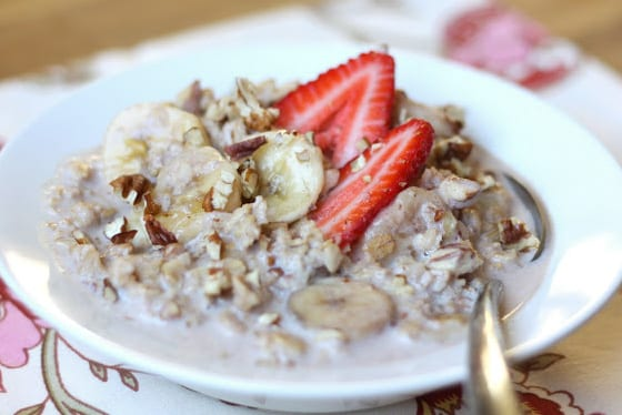 Slow Cooked Strawberry Banana Pecan Oatmeal