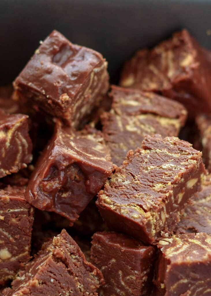 No Bake Chocolate Cereal Bars are better than any candy bar! recipe by Barefeet In The Kitchen