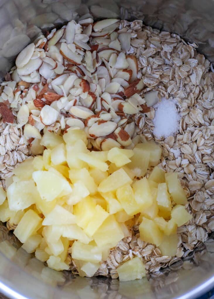 Pineapple, Almond, and Coconut are combined in this irresistible stove-top oatmeal!