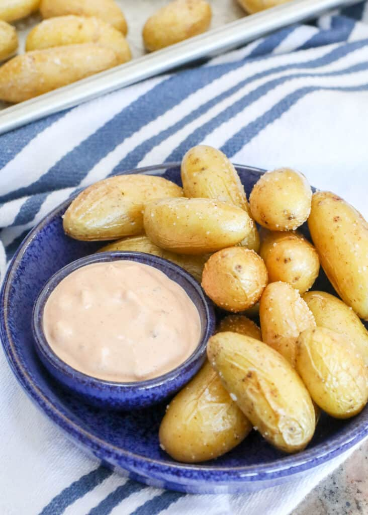 Roasted fingerling potatoes with an irresistible dipping sauce