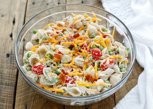 Bacon Ranch Pasta Salad makes everyone happy! get the recipe at barefeetinthekitchen.com