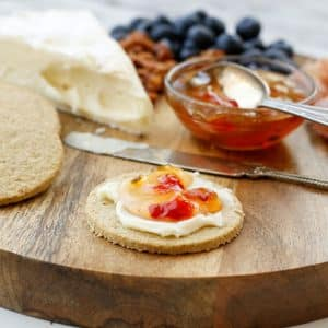 Scottish Oatcakes with Brie and Sweet and Spicy Jam