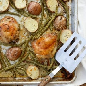{5 Minute} Sheet Pan Chicken Thighs with Green Beans and Potatoes