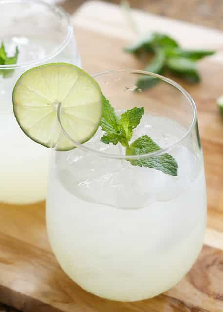 How To Make The Perfect Mojito - get the recipe at barefeetinthekitchen.com