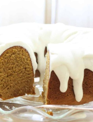 Pumpkin Bundt Cake with Vanilla Bean Icing {traditional and gluten free recipes}