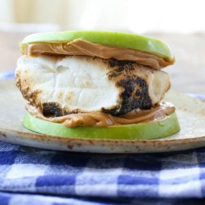 Green Apple S'mores are an unforgettable twist on a classic! get the recipe at barefeetinthekitchen.com