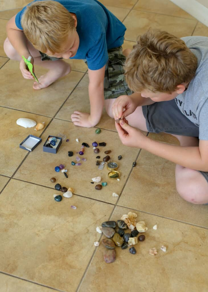 Talking about Unstructured Play Time in my house of boys - read more at barefeetinthekitchen.com