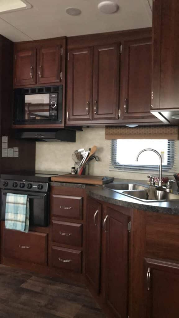 Barefeet In The Kitchen - 2018 Road Trip - Fifth Wheel Kitchen