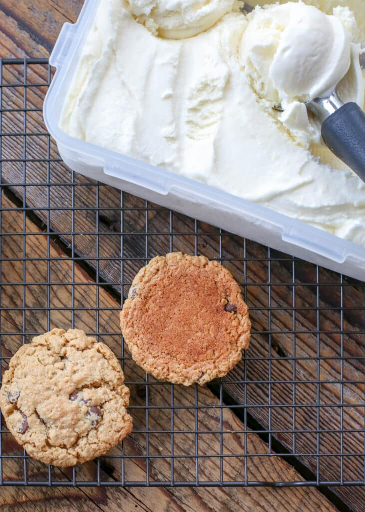 Best ever cookies + homemade ice cream = AMAZING ice cream cookie sandwiches!
