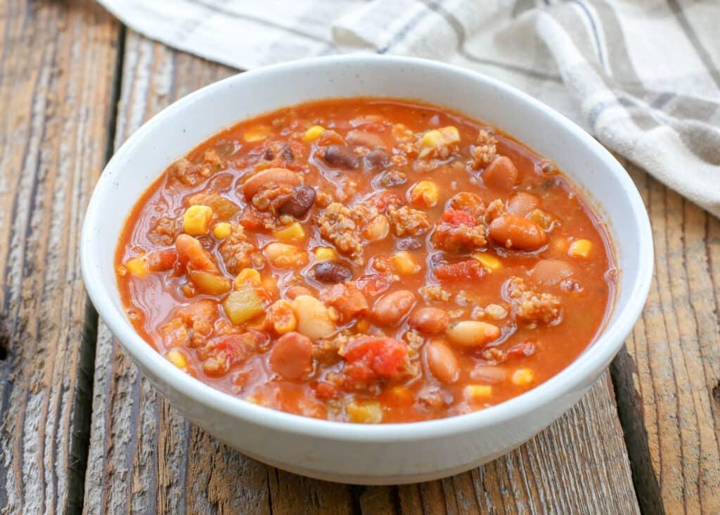 Nine Can Chili - aka The Easiest Chili you'll ever make!