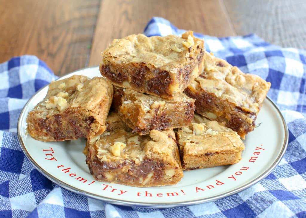 Dark Chocolate Walnut Blondies - get the blondie recipe at barefeetinthekitchen.com
