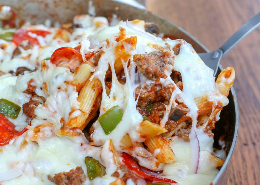 Cheesy Pizza Pasta Bake