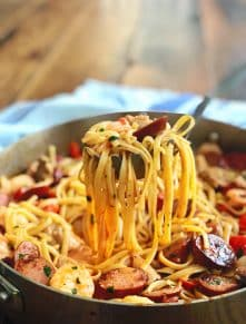 {One Pot} Cajun Jambalaya Pasta