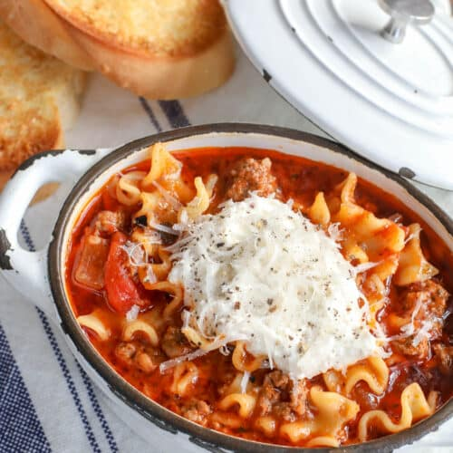 Everything you love about classic lasagna in a hearty bowl of soup! get the recipe at barefeetinthekitchen.com