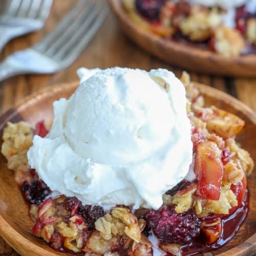 This Blackberry Apple Crisp is a sweetly tart fruit dessert.