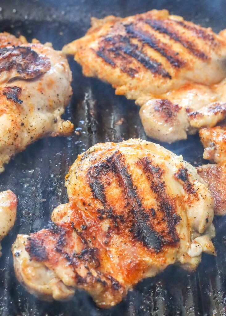Pan-grilled chicken with House Seasoning