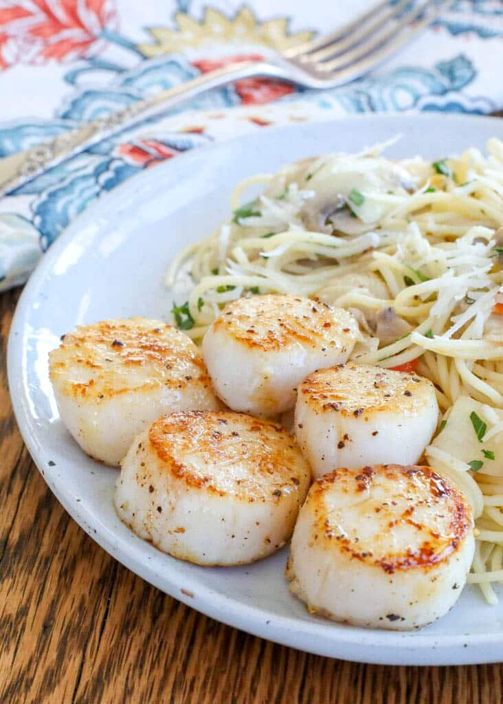 Pan Seared Scallops with Lemon Butter Pasta